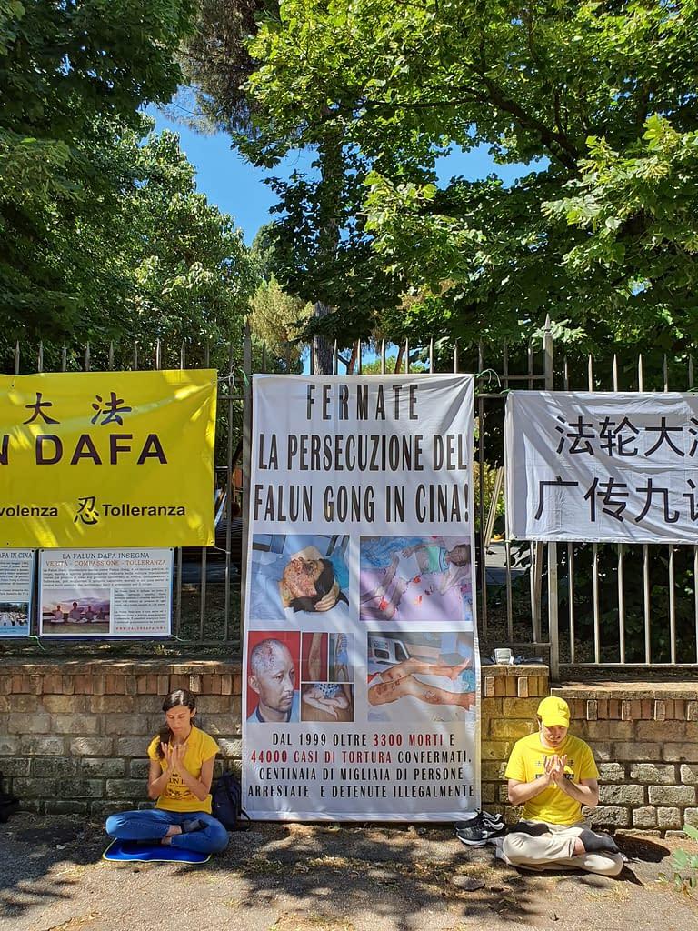 Manifestazione 20 luglio ambasciata cinese a roma