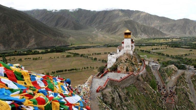 tempio Tibet preghiere