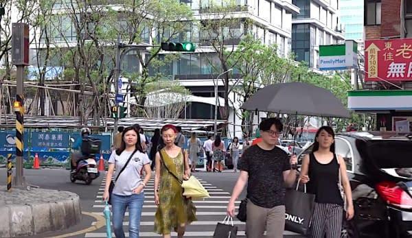 Taiwan persone strisce pedonali