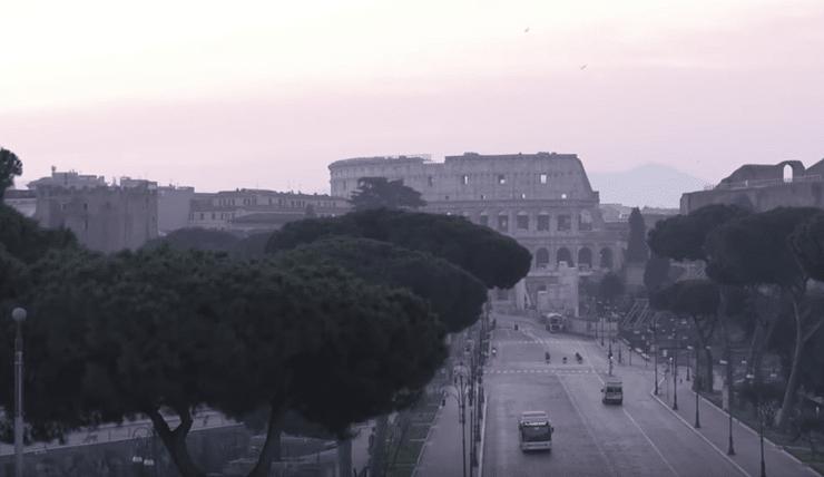 ITALIA FERMA: AUTORITÀ IN LOTTA PER CONTENERE COVID-19