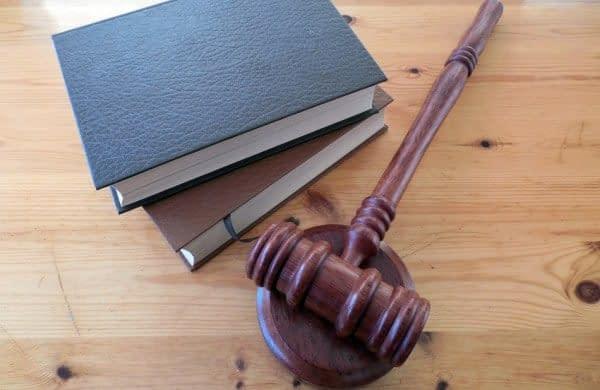 libri martello giudice