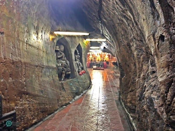 grotta sculture Buddha muri