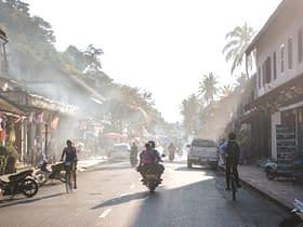 strada moto Laos