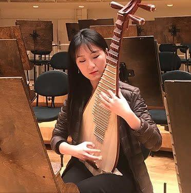 Yu  suonatrice pipa Shen Yun