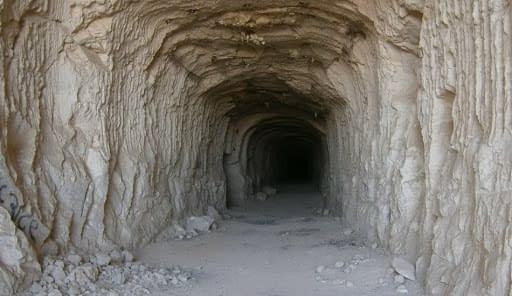 antiche miniere galleria roccia