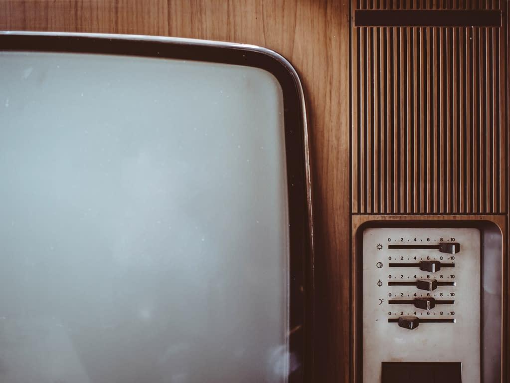 televisore antico bianco nero