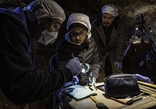 Dottoressa Lorena Becerra Valdivia grotta strumenti analisi