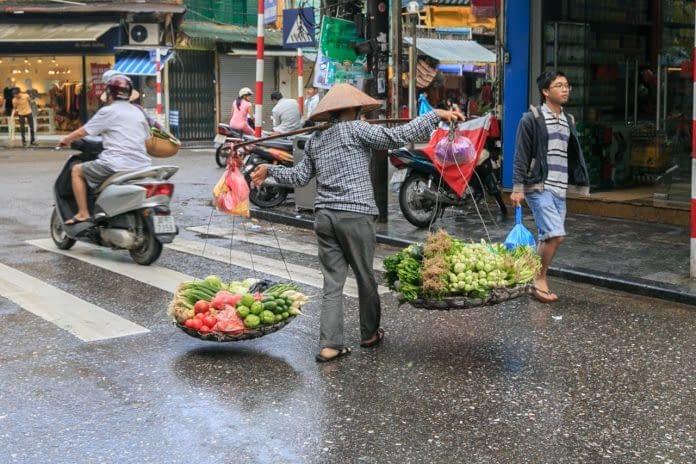 cinese- ceste con cibo