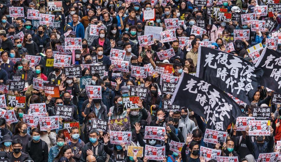 Hong Kong manifestazione contro PCC contro legge sicurezza nazionale
