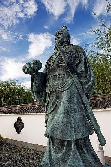 statua generale