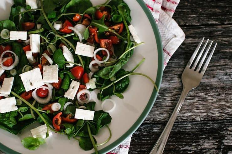 piatto tofu rucola pomodorini