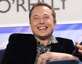 Elon-Musk ha lanciato un messaggio secondo il quale le piramidi sono state create dagli alieni