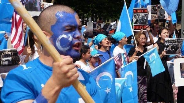 manifestazione persecuzione uiguri