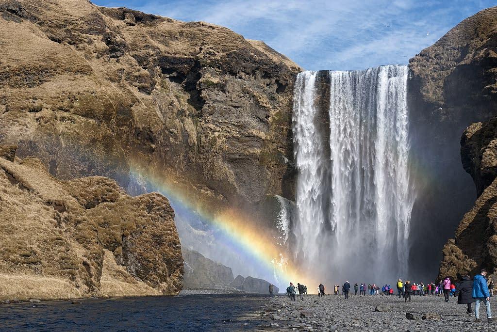 cascata arcobaleno Islanda esplorazione