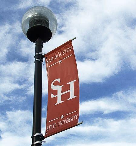 Bandiera-monumento delle vittime del socialismo della Sam Houston State University.
