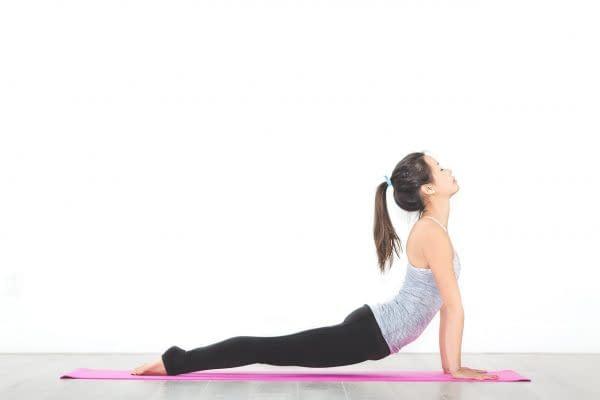 ragazza stretching