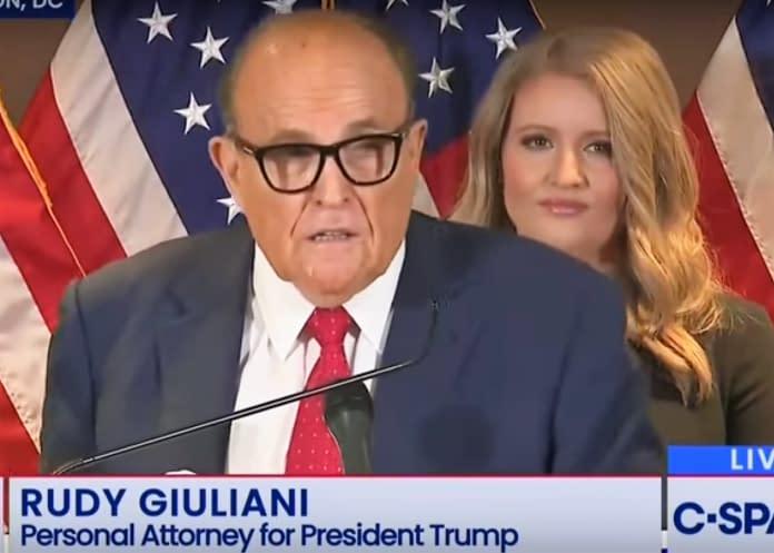 Rudy Giuliani conferenza stampa Trump Legal Team