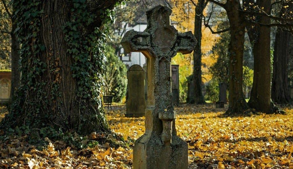 lapide cimitero
